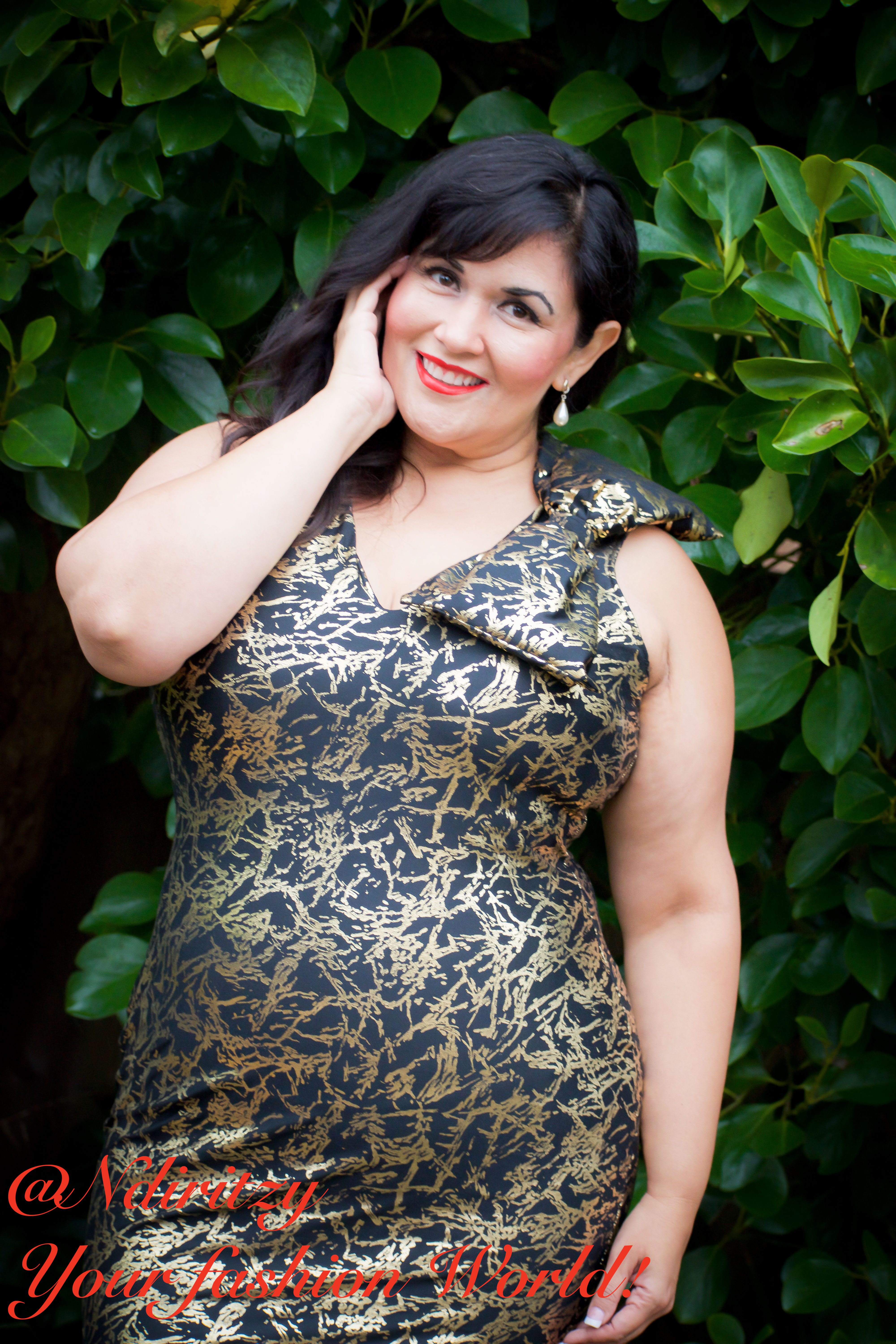 c395d98bd3c47 Plus size fitted gold and black dress with a bow - NdiRitzy